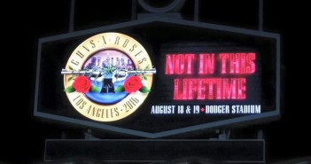 Guns N' Roses - Dodgers Stadium